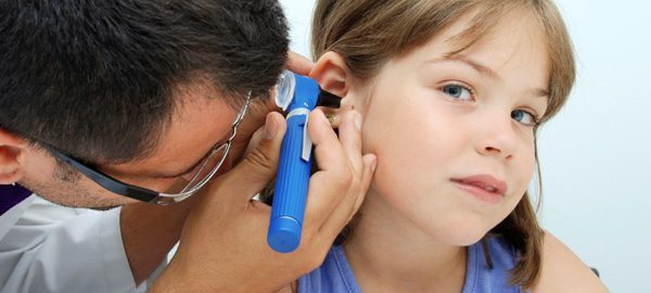 child-ear-infection-doctor_yjlnov-600x270-principale